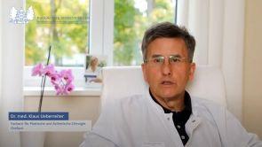 Dr. med. Klaus Ueberreiter erklärt, wie die Narbe beim Bodylift verläuft.