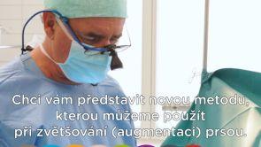 Zvětšení prsou implantáty Motiva: Malá jizva a minimalizace infekce