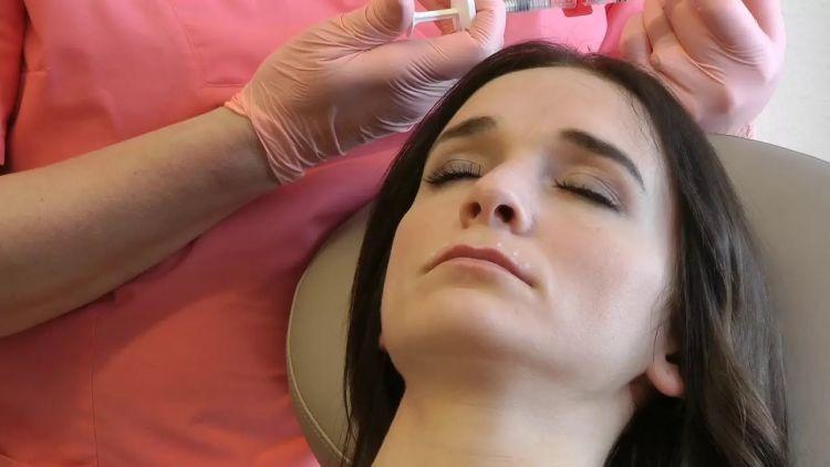 Symmetrische Lippen durch Lippenvergrößerung mit Hyaluronsäure