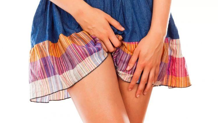 Asymetrie stydkých pysků - jednostranná labioplastika
