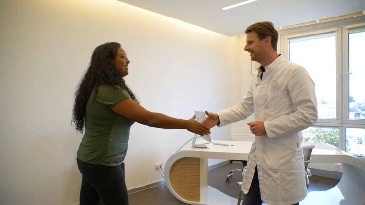 Körperoptimierung durch Brustverkleinerung und Bauchdeckenstraffung