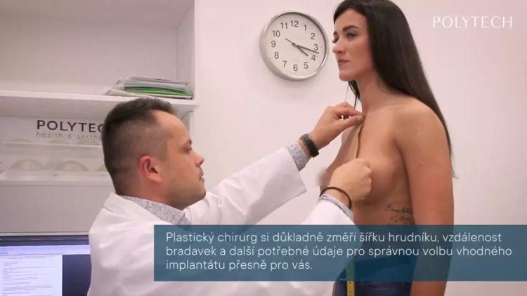 Jak probíhá konzultace před zvětšením prsou?