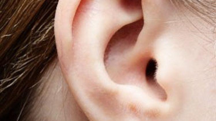 Zbavte sa stresu z odstávajúcich uší